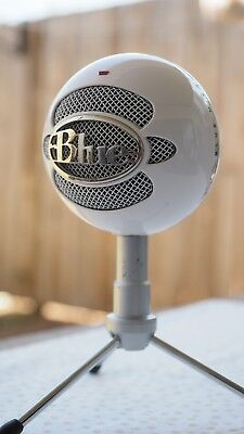 Blue Snowball iCE Wired PC Microphone White FREE Microphone Pop Filter