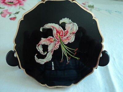 Vntage Stratton compact, Princess shape marked 'Erika' - Oriental Lily feature