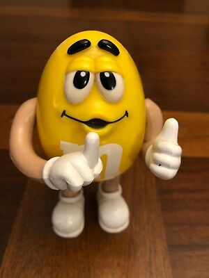 M&M Collectible Night Light Yellow Peanut Bedroom Wall Plug In Character .Works!