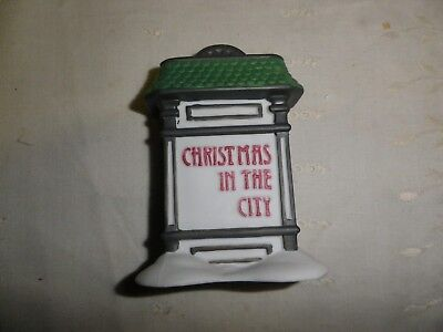 Department 56 Heritage Village Christmas in city Village Sign 5960-9 in box  224