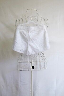 """Size 5 """"Cotton On Kids"""" Girls White Shorts! Great Condition! Bargain Price!"""