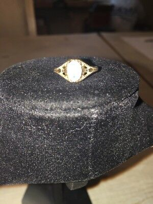 vintage costume jewelry ring - size 8  - oval rose