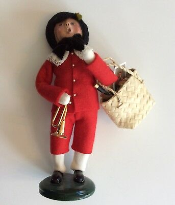 """Byers' Choice 2003 """"Victorian Shopper"""" Figurine, Pre-Owned"""
