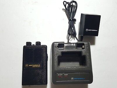 Motorola Minitor II SV (STORED VOICE) VHF FIRE EMS PAGER W/CHARGER TESTED 154.43