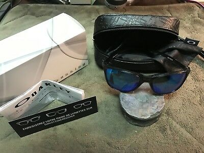 e740e6ac109 Oakley Reverie POLARIZED Sunglasses OO9362-0655 Grey Smoke W  Sapphire  Iridium