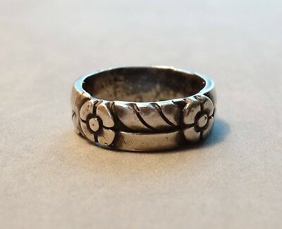 Antique Wedding Ring Band Sterling Silver Hand Cast Flowers Floral  size 8.5