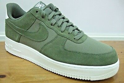 buy popular cdc1c d33a8 Nike Air Force 1 07 Chaussures Homme Baskets Taille de la UK 10 AO3835 200