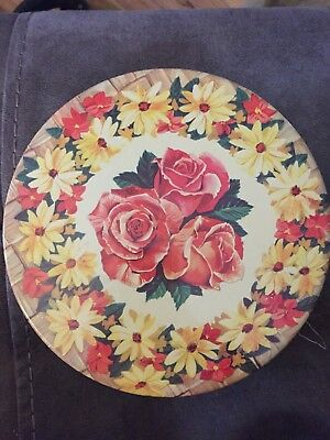 Vtg Bakelite/Celluloid LOT 3 Tatting Shuttles Sewing Tin Plus Contents Roses
