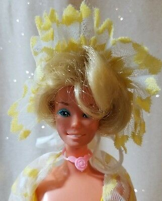 1979 Pretty Changes Barbie Superstar Era Barbie Doll w/Ring Necklace Shoes Brush