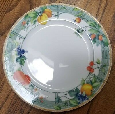 """Wedgwood Home Collection """"Eden"""" 8 1/4"""" Salad/Luncheon Plate Fruit on Trellis"""