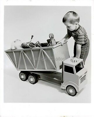 1974 Press Photo Child Toys Truck Boy Clown Face Young Push Playing Vintage 8X10