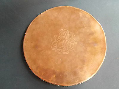 VINTAGE HUGH WALLIS CIRCULAR COPPER TRAY ARTS&CRAFTS BRASS ROPE BANDING (ref28)
