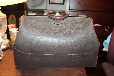 Vintage Large Dark Brown Leather Doctor's Bag With Original Key Lock Works 20""