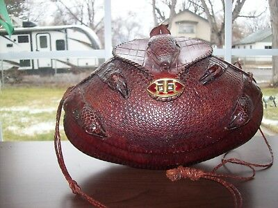 f269bac1b822 VINTAGE ARMADILLO HANDBAG Mint Condition NEW Great Collector s Item ...