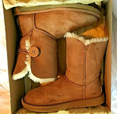 1bbab775f0d UGG BAILEY BUTTON 5803 Chestnut Suede Boots Size 7 FREE SHIPPING ...