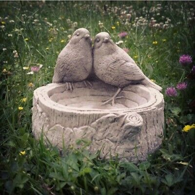 Stone Garden Robin / Bird Bath / Feeder / Bowl / Dish Ornament