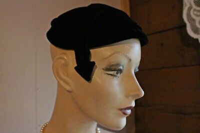 Vintage 1940 s WWII Black Velvet Pin Up Geometric Arrow Fascinator Hat  Topper 5a86114078c