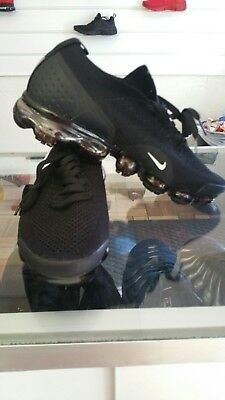 4661b689e13 NIKE AIR VAPORMAX Flyknit College Navy Black Blue Day and Night Mens ...