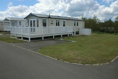 School Holidays 3 bed platinum grade caravan sleeps 8 at Thorpe Park Cleethorpes