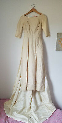 VTG* 60's* Modern * wedding gown* detachable train* Size 6* Cream* ankle length*