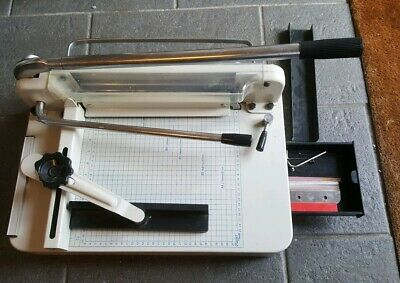 Heavy Duty Professional A4 Paper Guillotine Cutter Trimmer Machine 858.