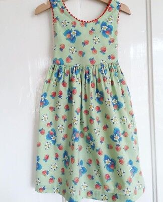 Vintage Cotton Girls Prairie Dress Strawberry Print Age 4