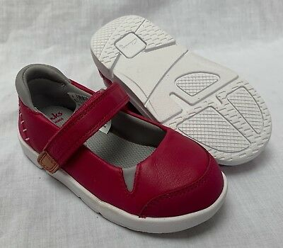 BNIB Clarks Girls Tri Pace Pink Leather Trigenic First Shoes F Fitting