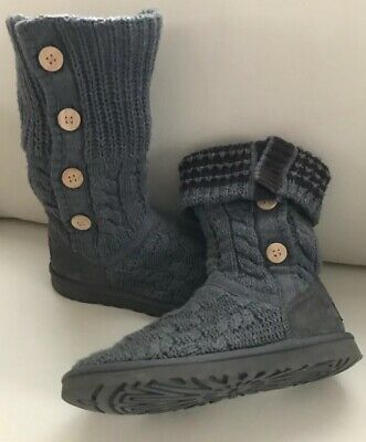 """Womens UGG Australia """"Leland"""" Cable Gray Knit Winter wood Button  Boots Size :8"""