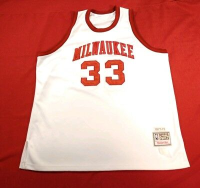 8d6b6787d Kareem Abdul Jabbar  33 Mitchell   Ness Milwaukee Buck White Basketball  Jersey