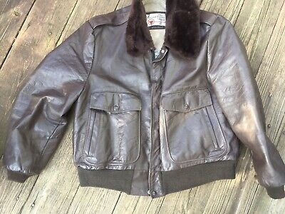 4aa71ef41 LEATHER SHOP SEARS VTG Bomber Leather Jacket Size 46 Fur Collar VGC