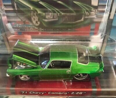 MAISTO PRO RODZ 1:64- 1971 Chevrolet Camaro z/28 (Green W/racing Stripes) -NIP
