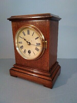 Winterhalder & Hofmeier single train oak mantle clock