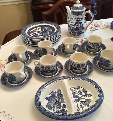 Blue willow dishes 26pcs Churchill