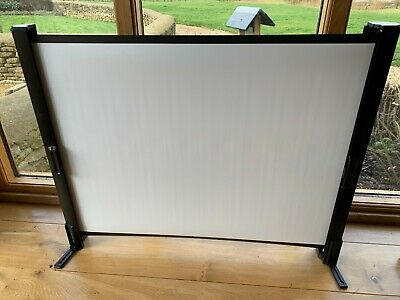 "Portable 40"" Freestanding Pull-Out Projection Screen - micro projector"
