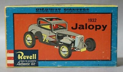1932 Jalopy V-8 Ford Highway Pioneers 1/32 Scale