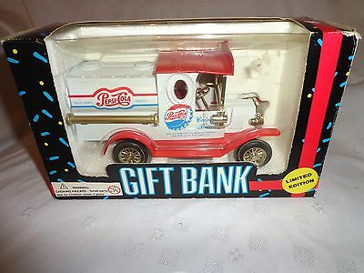 "Pepsi Cola Gift Bank Die Cast Limited Edition 1993 Golden Wheel Truck 6"" Toy"