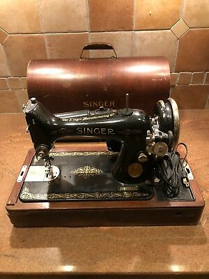Singer *vintage* 1934 Sewing Machine W/ All Original Pieces And Parts