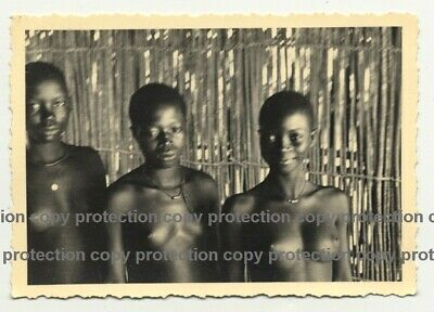 3 Topless African Women / Congo? (Vintage Photo B/W ~1930s/1940s)