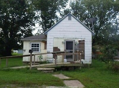 NO RESERVE! Single Family Investment Property in Quiet Indiana Neighborhood