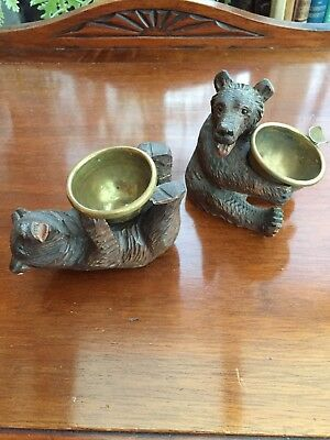 A Pair Of Antique Swiss Black Forest Bears With Little Brass Bowls