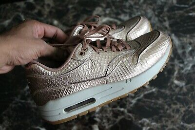 best website c553a 9c2b2 Nike Women s Air Max 1 Cut Out PRM Metallic Liquid Bronze Gold 5.5 644398- 900