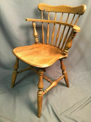 Ethan Allen Maple Birch Curved Spindle Back Vintage Windsor Style Captain Chair
