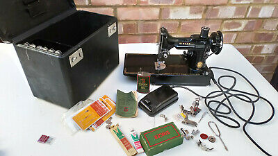 SINGER SEWING MACHINE FEATHERWEIGHT 221 K lots of extras case and keys