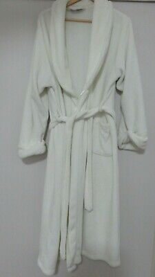 WOMEN DRESSING GOWN SIZE L  very soft