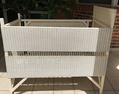 Vintage antique wicker cot 1960s, gd condition, needs small repairs, Croydon Syd