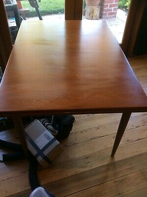 Parker Nordic Extendable Dining Table