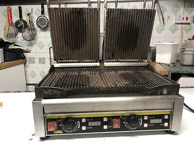 BUFFALO Heavy Duty Industrial Double Panini / Toastie Contact Grill 2900W - 250