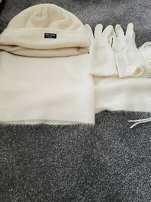 Ladies hat and scarf set and gloves