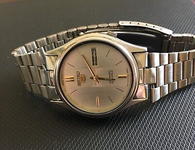 Genuine Vintage 7019 Seiko 5 Automatic Silver Face, 21 Jewels Mens Watch