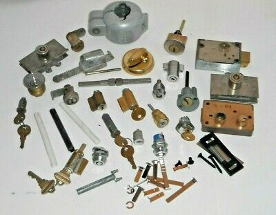 Lot of 21 Lock Cylinders & Parts Picking Practice Handyman Locksmith Tool *Etc**